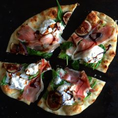 Fig and Prosciutto Flatbread Pizza
